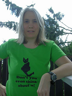 Cat_t-shirt3_small2