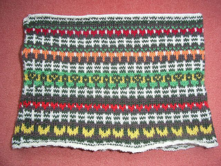 Happy_harvest_cowl2_small2