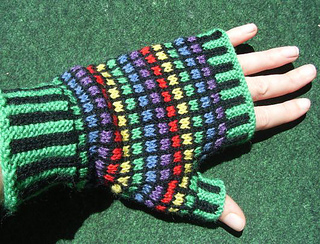 Stained_glass_mitts3_small2