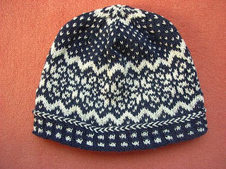 Norwegian_star_beanie3_small2