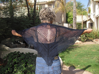 2011-06_spinner_s_simple_shawl__4__small2