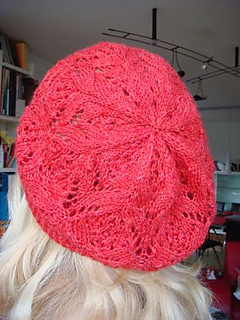 Very_pretty_lace_beret_002_small2