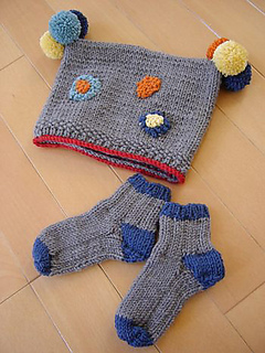Baby-cap_socks1_medium_small2