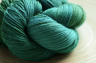 Yarn_merinosilkfine_small2