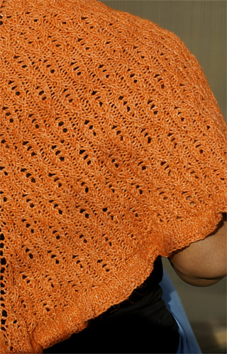 Isa_triangular_shawl__6__medium