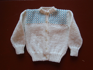 White_and_blue_baby_sweater_small2