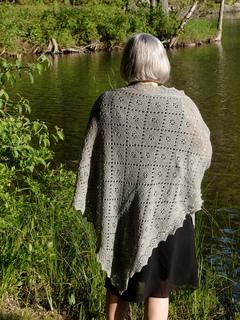 Cynthia_s_shawls_go_everywhere_blog_small2