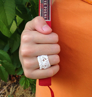 Cotton_ring_worn_small2