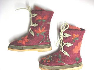 Bootssnowshoert2_small2