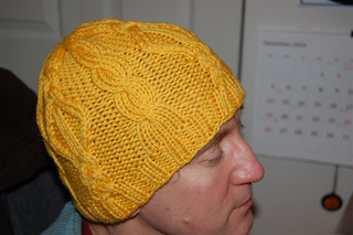 Yellow_diamond_hat_3_small2