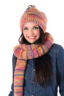 Maipo_hat_and_scarf_2_small2