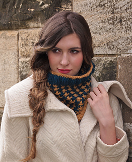 Emma_cowl_small2