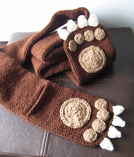 Bearscarfpaws_small2