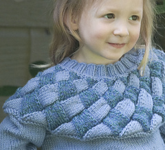 Pacificentrelacsweater3_small