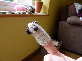 Pug_finger_puppet__2__small2